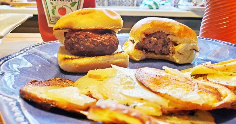 Hamburger Sliders on buns